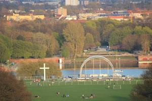 Bühne im Stadtpark vom Evangelischen Kirchentag in Hamburg 2013