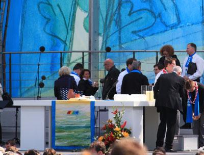 Der Altar vom Abschlussgottesdienst
