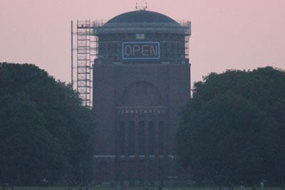 Planetarium trotz Bauarbeiten geöffnet