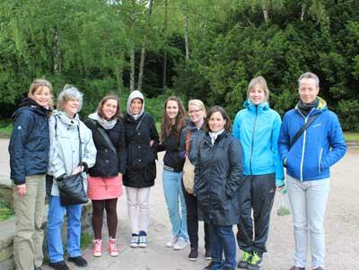 Gruppenfoto einer Kräuterwanderung im Stadtpark Hamburg