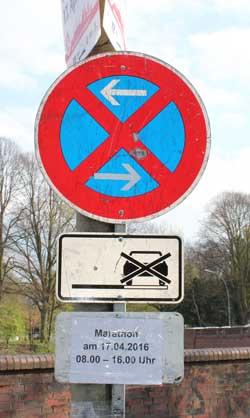 Das Abstellen von Fahrzeugen an der Laufstrecke ist nicht erlaubt.
